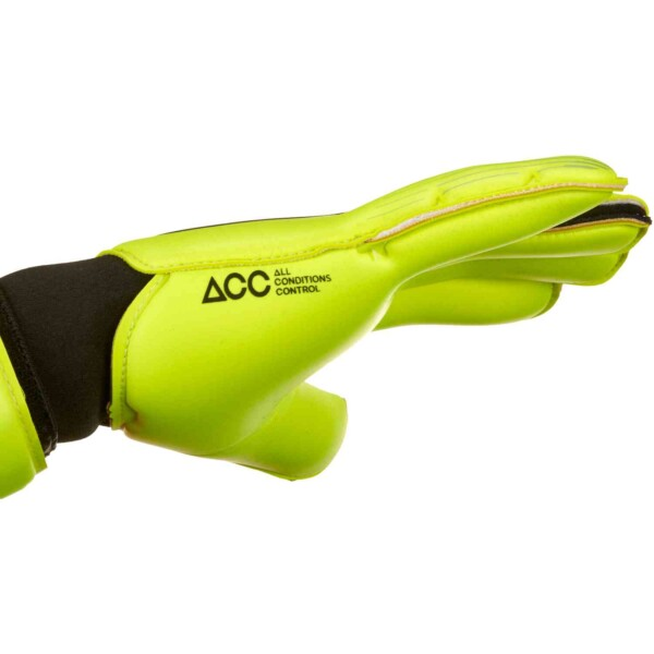 gs0352_702_nike_vapor_grip3_gk_gloves_sm_05